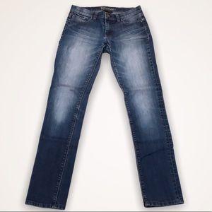 💫4/30 NEW YORK & COMPANY Medium Wash Skinny Jeans